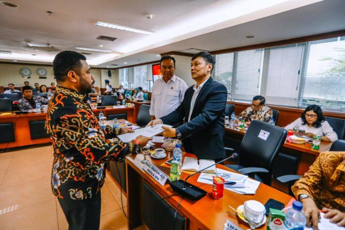 Ketua Pansus Papua DPD RI Serahkan Aspirasi Masyarakat Adat ke Wamen ATR/BPN