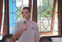 Wakil ketua Dewan Perwakilan Rakyat Daerah (DPRD) Kabupaten Manokwari, Bons Rumbruren